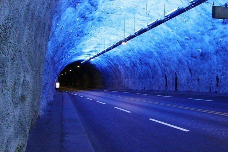 Начало моста в Дании под водой