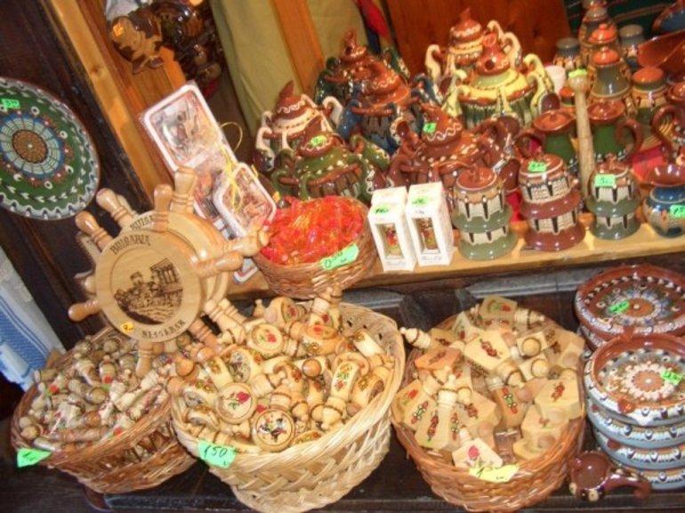 Что привезти из болгарии в подарок