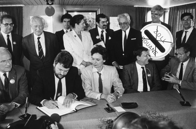 Швеция и Дания подписали Шенгенское соглашение
