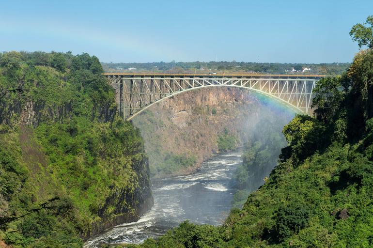 Водопад Виктория и одноимённый мост